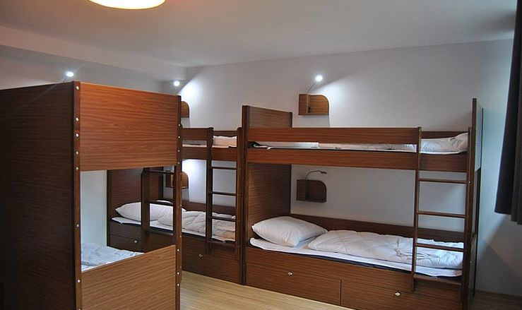hotel kudamm berlin charlottenburg cheap and right by the. Black Bedroom Furniture Sets. Home Design Ideas